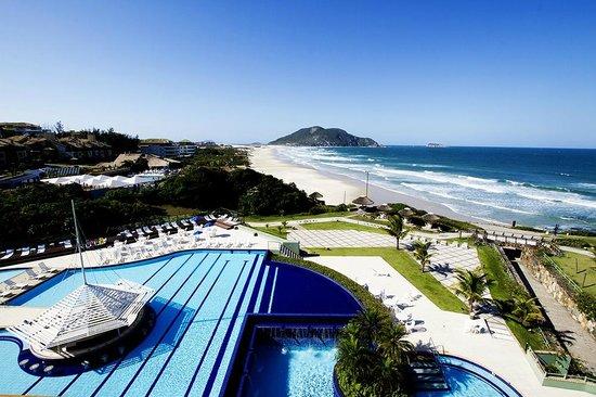Costao do Santinho Resort Golf & Spa: Vista aérea alto da piscina do Hotel Internacional