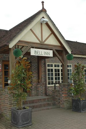 The Bell Inn: entrance