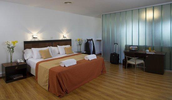 Global Hotel: Habitación superior
