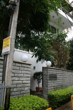juSTa Off MG Road, Bangalore: Entrance