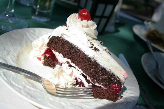 Alpine Haus Restaurant: Black Forest cake
