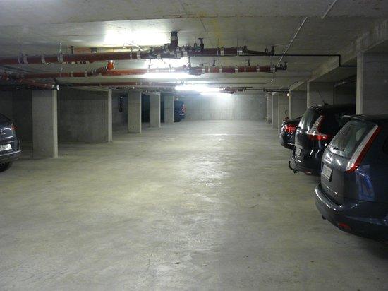 Residence Nemea Les Mazets Du Ventoux: Grand parking