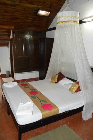 Kayaloram Heritage Lake Resort: Nice & Clean Room