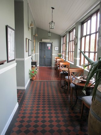 Wild Honey Inn: Hall