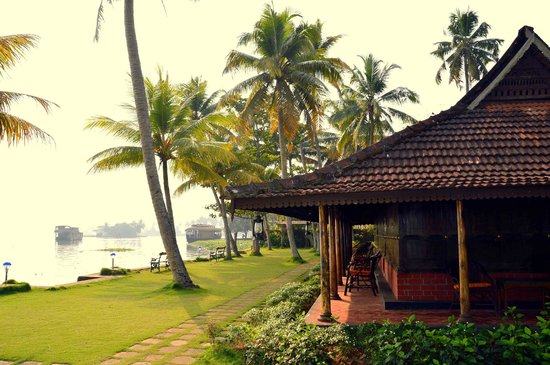 Kayaloram Heritage Lake Resort: Calm & Relaxing Place