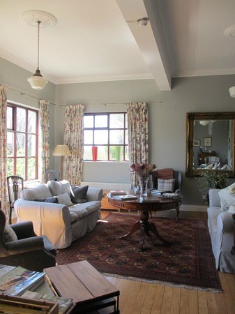 Wild Honey Inn: Guest Sitting Room