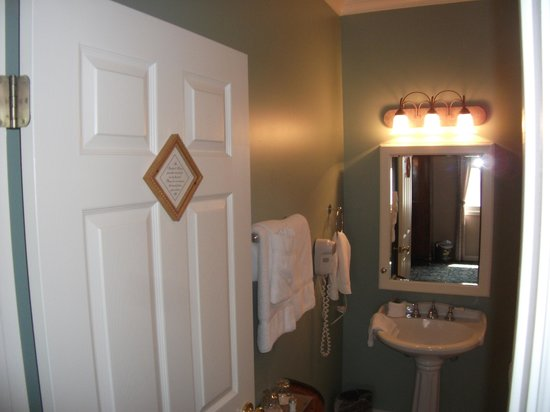 The Sanford House: Small bathroom, but nice bath robes!
