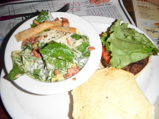 Lone Star Texas Grill: kids meal burger