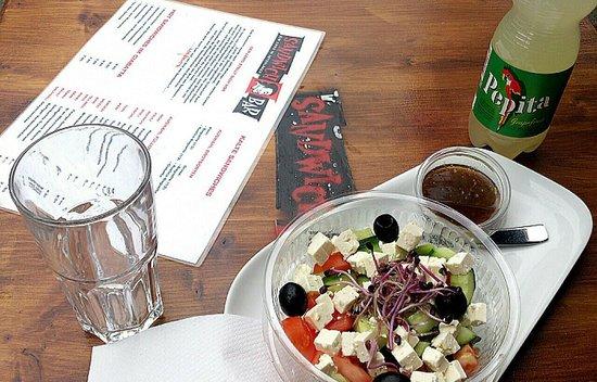 Sandwichbar: Greek salad balsamico + Pepita: only CHF 9,50