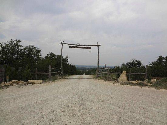 The Hideaway Ranch & Retreat: Entrance