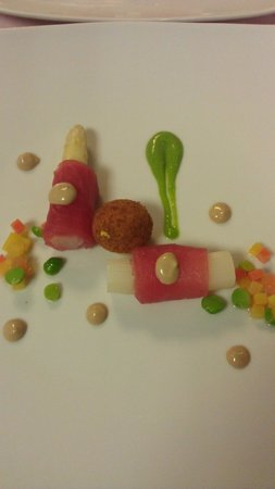 Hotel-Restaurant Alpenblick: Tuna fish with asparagus