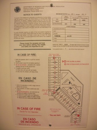 Crowne Plaza Miami Airport: Hotel layout.  Note the $13 parking fee/day.