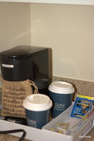 AC Hotel Chicago Downtown: Coffee Station