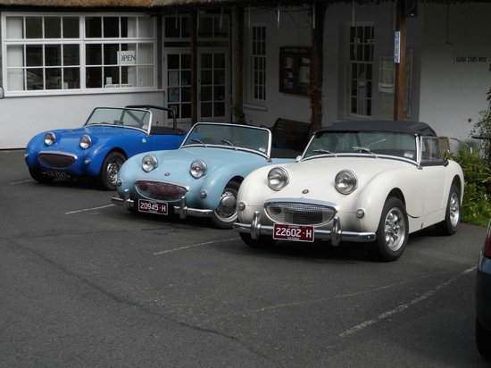 Rock House Hotel: happy smiley cars :)