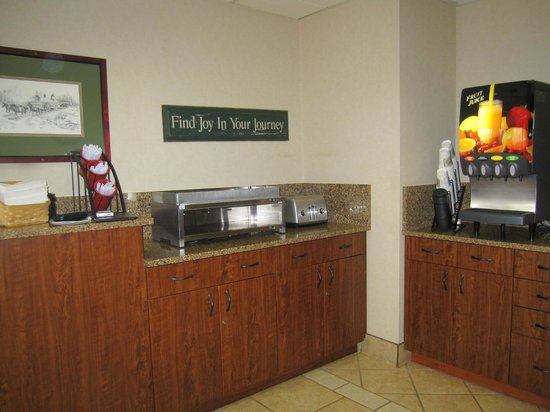 Boothill Inn & Suites : Breakfast area