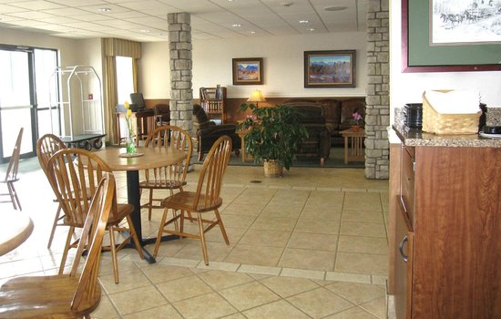 Boothill Inn & Suites: Dining/Breakfast area