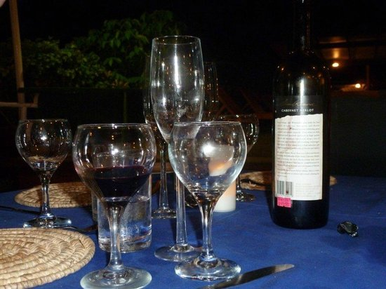 Daku Resort - Restaurant : Wine and Dine at Daku Resort Restaurant