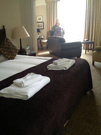 Macdonald Old England Hotel & Spa: Bedroom area looking toward seating area and balcony