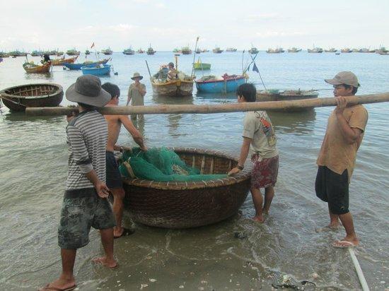 Pandanus Resort: Fishing market in Mui Ne