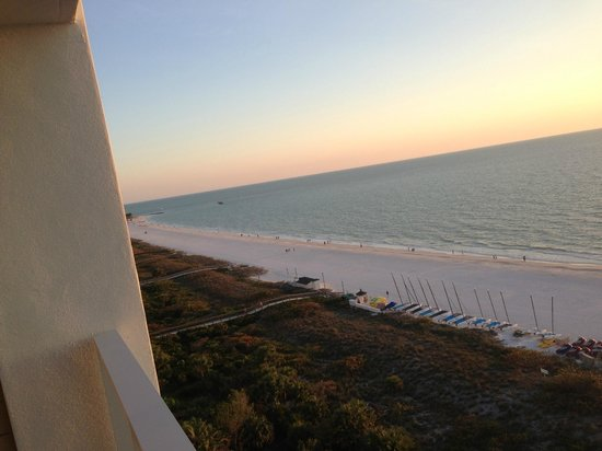 Marriott's Crystal Shores: beach view from our balcony