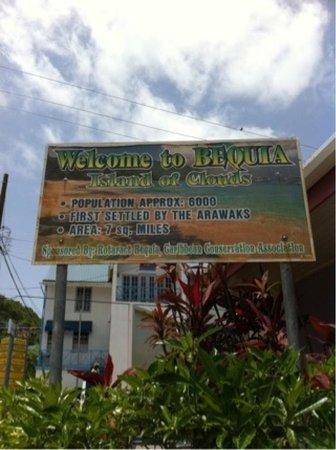 The Sweet Retreat: Info billboard of Bequia
