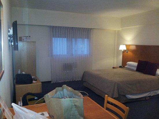 Aspen Suites Hotel: Vista desde la entrada de la habitación