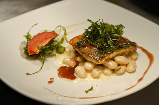 The Snooty Fox : Dover fresh sea bass on buttered white beans