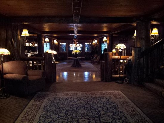 The Whiteface Lodge: Whiteface Lodge lobby; old world charm