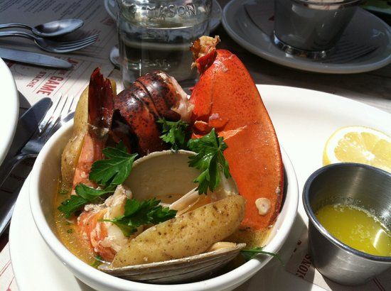 The Handle Bar: Lobster boil