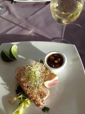It Rains Fishes : yellow fin tuna with mango chutney