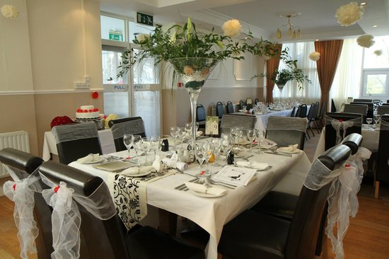 Cuisle Holiday Centre: THE DINING ROOM
