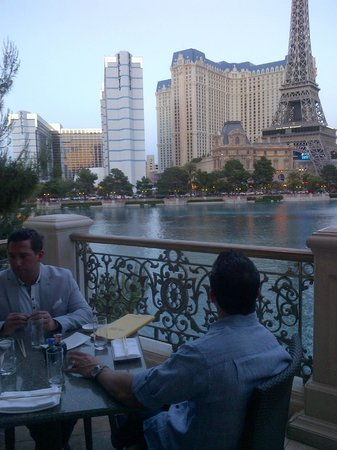View overlooking bellagio water from yellowtail restaurant for Garden statues las vegas nv