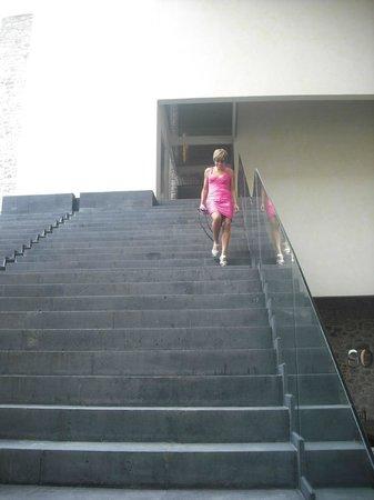 La Purificadora : escaleras del hotel al lobby
