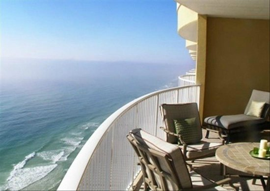 Emerald Isle Resort and Condominiums: pristine beach! Amazing ocean view from walk out bedroom & balcony