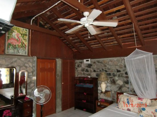 Hummingbird Beach Resort: Zimmer 9