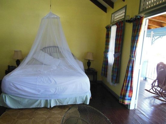 La Haut Resort: Netting in-use
