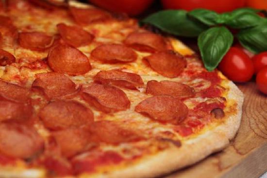 La Pizzeria : Often immitaded never duplicated !!