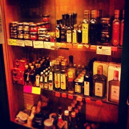 Laurenzo's Italian Market: laurenzos GOURMET Olive oils