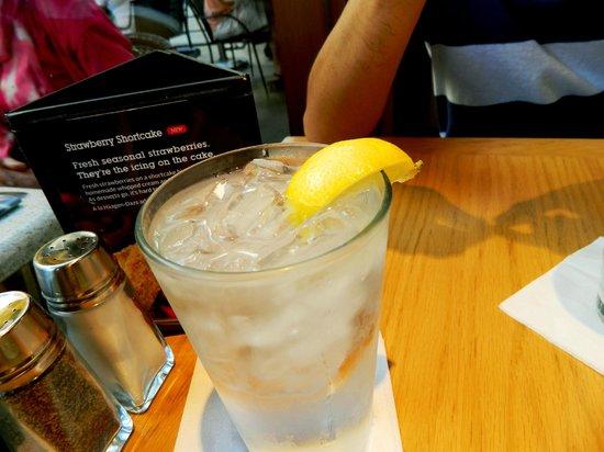 California Pizza Kitchen: lemonade
