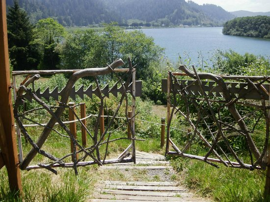 Klamath River: A gate at the Inn leads to a path down to the river