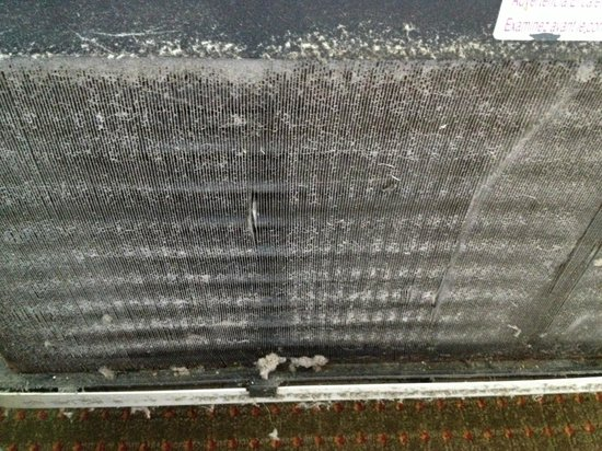 Comfort Suites Jacksonville I-295: dirty hvac