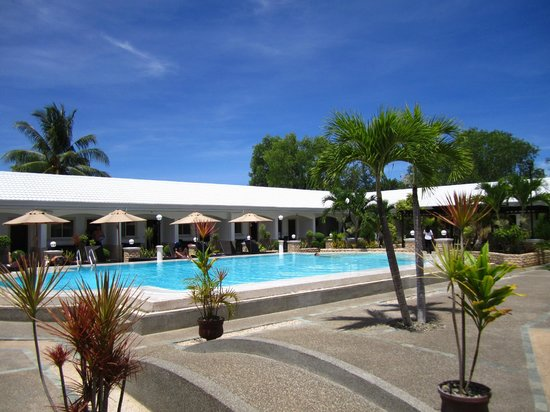 Panglao Regents Park Resort: great pool