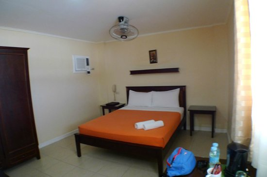 Panglao Regents Park Resort: annex building delux double room