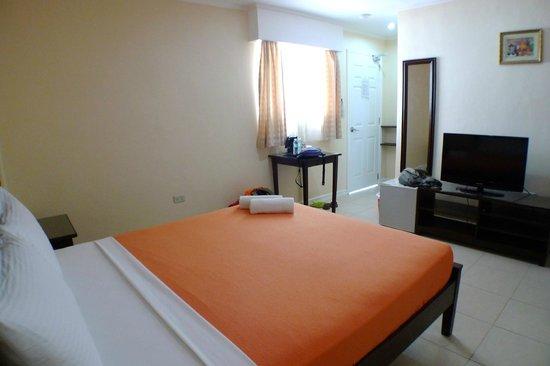 Panglao Regents Park Resort: annex building delux double room