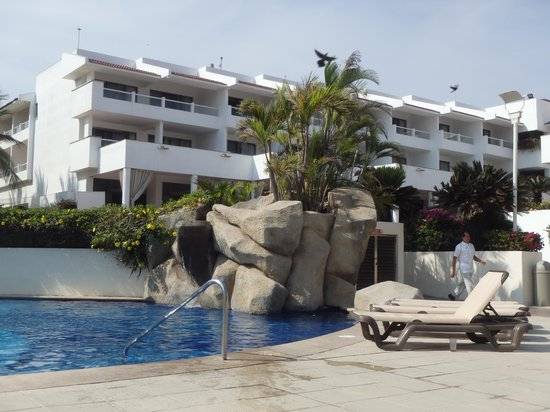 Marival Resort & Suites: Adult pool