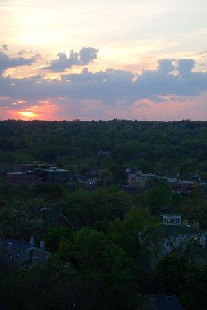 Dahlmann Campus Inn: Sunset from our room