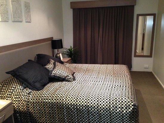 Comfort Inn Parkes International: Bedroom