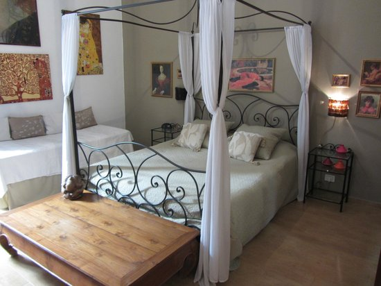 B&B Ciao Bella : Lovely bed