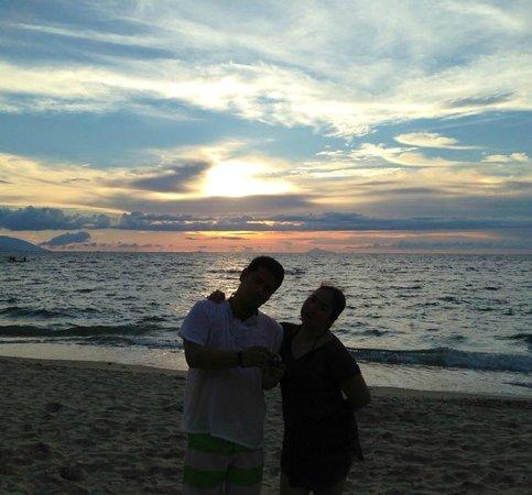 Tamaraw Beach Resort: sunset