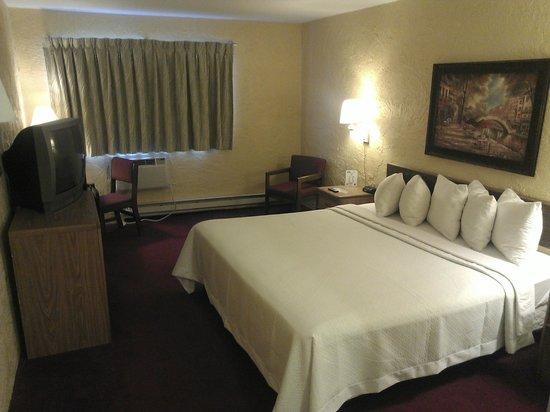 Motel 6 Appleton: King Deluxe Premium suite